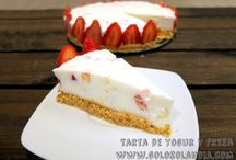 Tarta de yogur y fresas / Que fácil postre semifrio #tarta de #yogur y #fresas. Fácil #receta casera paso a paso.  http://www.golosolandia.com/2015/03/tarta-de-yogur-y-fresas.html