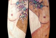 < Skate Deck Art Works - The Femme Collection >