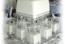Wedding Cakes / by Phoebe Costley