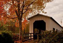 BARNS & COVERED BRIDGES