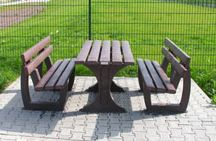 Recycled Plastic Benches / At Hahn Plastics we have many benches available, from picnic benches to children's benches.
