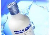 Coole Swan / COOLE SWAN ist ein Irish (Whiskey) Cream Liqueur der Extraklasse! Er besteht ausschließlich aus feinstem Irish Single Malt, bester irischer Sahne und edler weißer belgischer Schokolade mit einem Touch Echter Vanille & Kakao. Perfekt für Cocktails und aussergewöhnliche Desserts.
