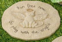 Pet Memorials / by Lisa Dooley-Rufle