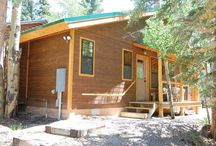 Bear Hugs / Efficiency and one to the upper 3 levels with an interlocking door joining both units. Queen bed, Twin w/ trundle, 1 bath and full kitchen.