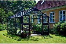Serres en verre / Retrouvez toutes nos serres de jardin en verre. #serre #verre #jardin #jardinage