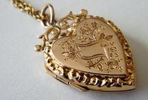 Jewellery: grandmas jewellery box
