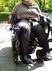 Proszę o Pomoc / Bardzo Proszę o wsparcie w leczeniu 35 letniej Kobiety chorej na rzadką, nieuleczalną chorobę genetyczną, Zespół Ehlersa- Danlosa. Państwa wsparcie jest pomocą w leczeniu (rehabilitacji, leków, wizyt u specjalistów, badań często robionych prywatnie)jak także wsparciem w ciężkiej codzienności (kule, ortezy, wózki inwalidzkie itp)