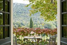 Outdoor dining / Outdoor dining, alfresco, patio, terrace.