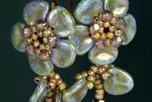 Beading with flower petal beads