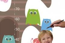 Medidores infantiles / Un medidor es genial para poder ver cómo nuestros peques crecen día a día. Además, puede también ser un elemento importante en la decoración de una habitación infantil. Os dejamos con nuestra colección de medidores que creemos son un regalo muy original para un recién nacido.