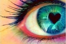 Láska v očích vítězí.