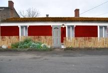 maison / une petite maison des années 20 à rénover en gardant son esprit rétro et en y apportant une touche d'épure et de modernité. ♥ / by Émilie Nacci Lanoë