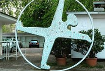 #radschlägerkunst Düsseldorf / Die Radschläger sind typisch Düsseldorf. Diese Skulpturen sind im Düsseldorfer Stadtgebiet verteilt aufgestellt.