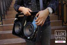 Retro Stil TDK BOOMBOX ile geri döndü. / Tasarladığı birbirinden etkileyici modeller ile dünyaca ünlü müzik sistemleri markası TDK'da efsanevi Boombox serisini günümüze uyarladı.