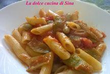 Primi piatti / In questa bacheca potete trovare primi piatti di pasta , riso o altri cereali con tanti diversi condimenti