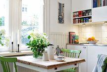 Toefje Kleur in je interieur / interieurs met een vleugje kleur