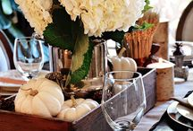Fall Table Settings & Inspiration / Décor inspiration for the perfect fall table setting.