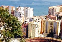 Castillo de Gibralfaro, Málaga. / Situado en el Monte que lleva su nombre, el Castillo de Gibralfaro nos deja unas impresionantes vistas panorámicas de la ciudad de Málaga. Además, podrás pasear entre sus murallas y sentirte parte de otra época.