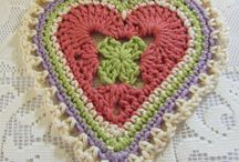 Instagram Crochet Love (Hearts patterns) / Please contribute heart crochet patterns you have tried and love.