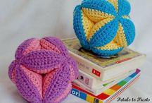 Crochet toys / Hæklet og strikket legetøj