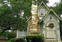 Houses / by Makiko Flaherty