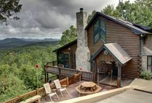 Great Escape / Escape to one of the highest points on My Mountain! Enjoy incredible long range mountain views from three different levels of this huge, professionally decorated log cabin home. #blueridgegeorgia #northgeorgiamountains #mymountaincabinrentals #northgeorgiacabins