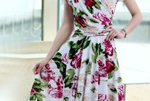 Vestido Floral / Tecido de seda misto Comprimento no joelho Sem mangas Estilo: Casual Tamanho M  Medidas: Comprimento:93cm Busto: 86-92cm Cintura: 76-82cm