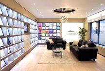 Showroom / Pour les professionnels, les plafonds tendus EXTENZO offre une touche particulière aux lieux qui accueillent vos clients ou vos partenaires.