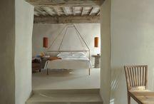 Inspirational interiors / Ideas for a beautiful home / artist's retreat