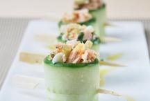 Komkommer met zalm, komkommer stillen met de kaasschaaf.