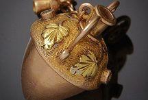 old Perfume Bottles :(1714 eos 1955) & new / http://www.lj24magazine.com/article/article_000060/1.aspx History of Estate Jewelry 1\\ Georgian Period (1714-1830) 2\\ Victorian period (1835-1901) Romantic Period (1837-1860) Grand Period (1860-1885) Aesthetic Period (1885-1901) 3\\ Art Nouveau Period (1885-1915) 4\\ Edwardian Period (1901-1910) 5\\ Art Deco Period (1920-1940) 6\\ Retro or Art Modern Period (1941-1955) ____Georgian Era or Regency 1714-1830 Before the Industrial Revolution