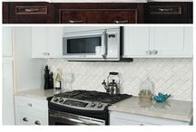 Kitchen Decorating / Decorating your kitchen and keeping the clutter down.