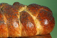 Pastries & Breads / by Rhonda Eskew