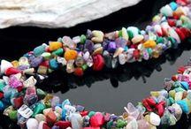 Colar De Pedras Semi Preciosas / Colar de Pedras Semi Preciosas Moda Fashion Material: Pedras semi-preciosas: Turquesa, Ágata, Cristal, Coral. Comprimento: 45cm Multicolorido