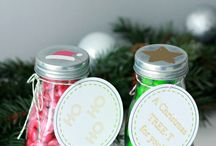 Just a Girl and Her Blog Christmas / Christmas and holiday projects from Just a Girl and Her Blog! Ornaments, wreaths, Christmas trees, holiday decor, DIY signs, holiday crafts, and more!
