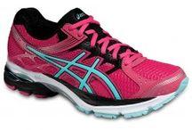 Chaussures Running Femme / Découvre notre sélection de chaussures de running trail FemmeAdidas, Nike, Asics, Mizuno, New Balance et Salomon. A découvrir sur http://cyclesportnature.fr/362-chaussures-running-femme