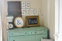 Bedroom / Organizing, decoration, DIY, inspiration  / by Emily Sapp