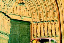 CARITAMOVIL / El seat 600 de toda la vida de mi madre se convirtió en el coche de carita bonita y en uno de los iconos más vendidos de nuestras camisetas! www.caritabonita.com