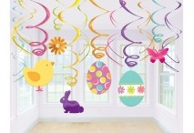 Easter Holidays Ideas / Easter is all about colour, the more the better. The perfect colours are yellow, green, pink and purple. Decorate your house, decorate the eggs and yes, get the chocolate egg or chocolate bunny.