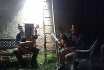 Verona canta Guccini - #Guccinate / Un gruppo di amanti del cantautore Francesco Guccini si ritrovano da diversi anni nelle osterie e nelle case a mangiare assieme e cantare le canzoni di Guccini. Questi ritrovi si chiamano #guccinate e qualche fan arriva anche da fuori provincia. Ci si prepara al grande concerto con il maestro.