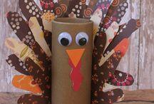 Thanksgiving crafts, food & decor