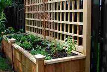 Oplocení truhlíky k plotu