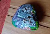 Decoracion / Malovane kamene do zahrady, kreativita s konarikmi brezy- aj vlastna tvorba
