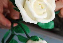 """Róże z """"zimnej porcelany"""""""