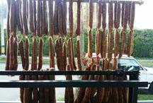 CHORIZOS SANTARROSANOS CHORY TRADICIONALES / El original chorizo santarrosano elaborado con carne de cerdo premium bajo en grasa y condimentos. Deliciosos en el desayuno, en una exquisita bandeja paisa, id