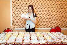 Мы партнеры МК Таши Строгой в Казани. 1 ноября 2015. / Было приготовлено 400 капкейков, 3 открытых торта, 150 макарун на пробу и 400 макарун на продажу оформленные в виде подарочных наборов.