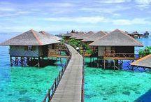 places I wanna travel / by Marissa Thomas Davis