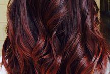 Color de cabello rojo vino