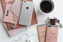 designy/interior/mood blogs / good for pulling swipe