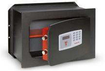 Sicurezza casa / Prodotti per la sicurezza della casa, sistemi blocca maniglia , protezioni scuri , allarmi , casseforti  per proteggere i tuoi beni e i tuoi oggetti